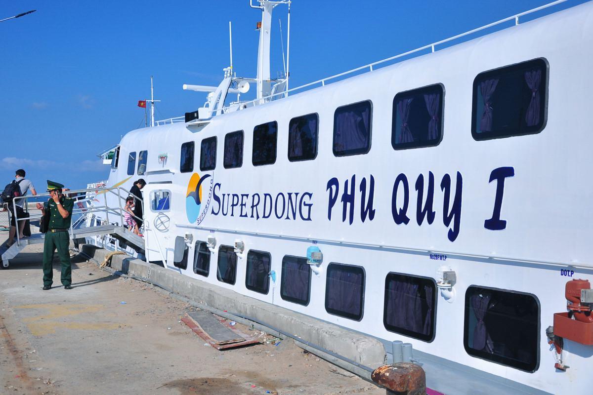 Tàu Superdong Phan Thiết đi Phú Quý